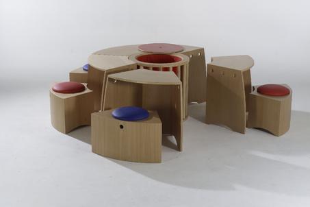kinder spieltisch innenarchitekt stefan schnell. Black Bedroom Furniture Sets. Home Design Ideas